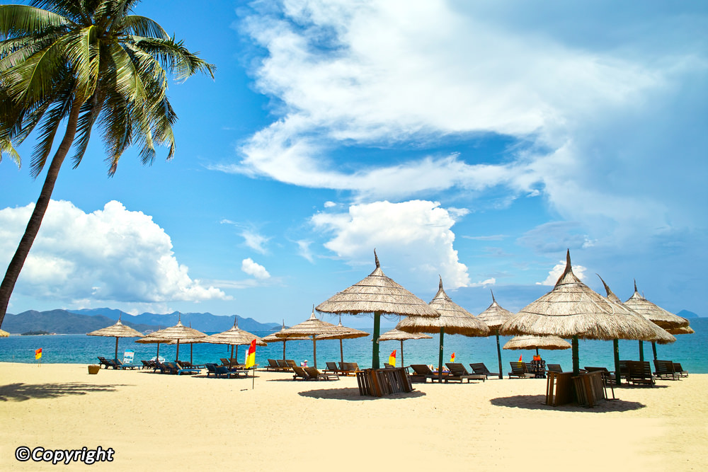 nhatrang attractions - CENTRAL VIETNAM TOUR PACKAGE 04 DAYS